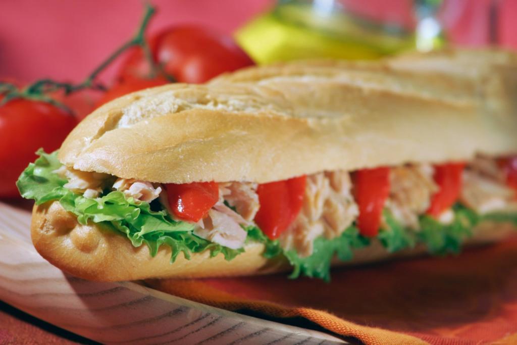 tuna sandwich 1326358